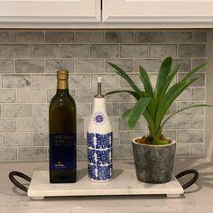 Simple Staging Ideas: Kitchen Vignette   Maritza Ortega 2019 Kitchen Vignettes, Home Staging Companies, Continuing Education, Vodka Bottle, Simple, Ideas, Home Decor, The Little Prince, Decoration Home