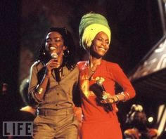 Oh No They Didn't! - Excellent Photos of Awesome Musicians Hanging Out Together - I miss the 1990s. Erykah Badu & Lauryn Hill