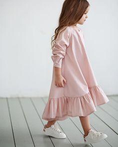 ...Пудровый цвет .Платье-волан в наличии и на заказ • Состав: 100% хлопок. • Размер в НАЛИЧИИ: 104. • Цена: 5000. • Все вопросы и оформление заказа в W/A : +79126365902 . • Доставка по всему . #miko_D0007#miko_kids #conceptkidswear #forkids #большечемплатья #pink
