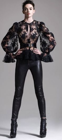 alexander mcqueen floral lace blouse + leather moto pants w/roller belt Look Fashion, High Fashion, Fashion Outfits, Womens Fashion, Fashion Design, Fashion Trends, Fashion Black, Fashion Clothes, Fashion News