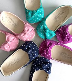Can you tell we love polka dots? The Mila shoe is made in a variety of trendy spring colors- pink, turquoise, navy and magenta and feature an