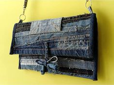 Upcycled denim clutch / Jeans patchwork bag / Used denim handbag / Jeans pouch / Raggy evening purse / Fabric bag / Recycled denim foldover