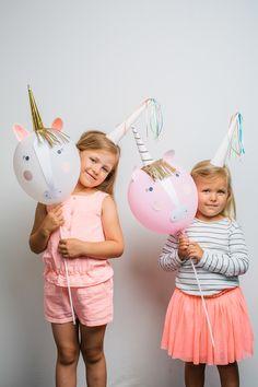 Sind die Einhorn Ballons nicht süß? Auf unserem Blog findet Ihr viele Ideen für eine Einhorn Party. Luftballon Einhorn DIY