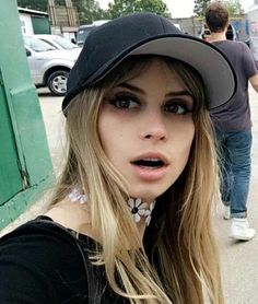 Image uploaded by Cassie. Find images and videos about scream, shows and carlson young on We Heart It - the app to get lost in what you love. Scream, Pretty Girl Face, Beauty Skin, Hair Beauty, Bex Taylor Klaus, Carlson Young, Chloe Bourgeois, Brutally Honest, Celebs