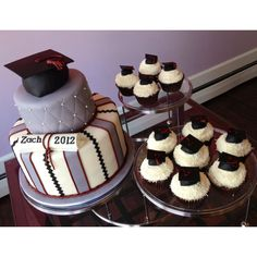 Graduation Cupcakes From Sweet Discoveries Graduation Cupcakes, Graduation Diy, Graduation Celebration, Biscuit, Different Cakes, Cakes And More, Custom Cakes, Party Cakes, Cupcake Cakes