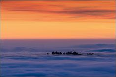 Noveis tra le nuvole by beppeverge, via Flickr