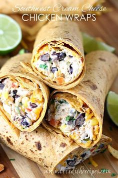 Southwest Cream Cheese Chicken Wraps: Chicken and cream cheese are combined with red peppers, black beans, corn, shredded cheddar and southwest spices, then wrapped in corn tortillas for a hearty lunch or light dinner. *use corn NOT flour tortillas* Lunch Recipes, Mexican Food Recipes, Appetizer Recipes, Cooking Recipes, Healthy Recipes, Appetizers, Healthy Foods, Healthy Eating, Sandwich Recipes