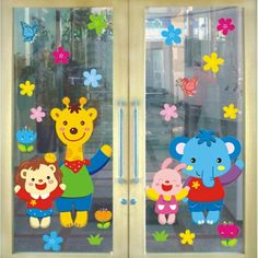 School Window Decorations, School Board Decoration, Easy Christmas Decorations, Preschool Color Crafts, Crafts For Kids, Mickey Mouse Classroom, Preschool Classroom Decor, Kindergarten Design, Diy Wallpaper