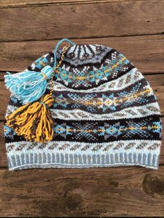 Ravelry: Project Gallery for Shwook pattern by Hazel Tindall Fair Isle Knitting Patterns, Knitting Blogs, Fair Isle Pattern, Lace Knitting, Knit Patterns, Knitting Projects, Knit Crochet, Crochet Hats, Norwegian Knitting