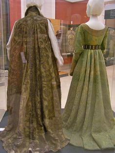 Gown of Queen Mary of Habsburg - full length - back by taryneast, via Flickr | http://www.hnm.hu/en/kiall/MonthlyArchive.php?id=30993