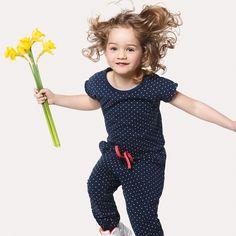 Vrolijk voorjaar! Ga voor een frisse start en kies voor deze fijne jumpsuit voor kinderen.