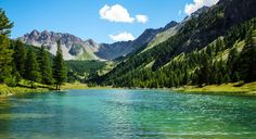 Lac de L Orceyrette   by Bob Wit