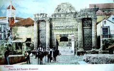 puerta del puente romano Córdoba