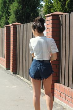 Sparkle With Lee Lee - high waist shorts and cropp top