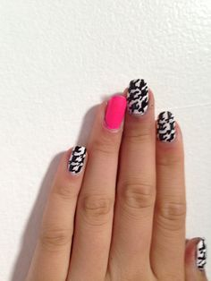 These are my cousins nails!!! She is only 12!!!! She is amazing!!!