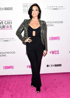 Demi Lovato Photos Photos - Recording artist Demi Lovato during CBS RADIOs third annual We Can Survive at the Hollywood Bowl on October 2015 in Hollywood, California. - CBS RADIO's Third Annual We Can Survive 2015 Celebrity Pictures, Celebrity Style, Demi Lovato Style, The Hollywood Bowl, Casual Look, Mom Style, Foto E Video, My Idol, Sexy