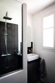 Sdb on pinterest belle merlin and contemporary bathrooms - Petite douche a l italienne ...