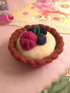 Felt Raspberry and blueberry tart key ring. £12.00, via Etsy.