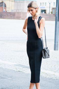 SHE´S GOT THE LOOK #VictoriaBeckham #Dress #black #Look #SaintLaurent #bag #grey