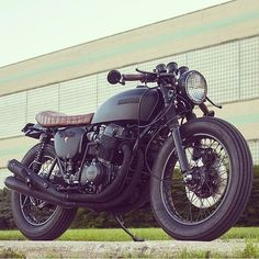 OVERBOLD MOTOR CO. — Damn fine build from @powdermonkees | the...