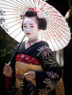 maiko 舞妓 Ichiyuu 市結 Pontocho 先斗町 KYOTO JAPAN