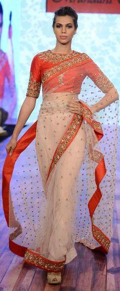 Sari on the runway Indian Blouse, Indian Sarees, Indian Attire, Indian Ethnic Wear, Indian Dresses, Indian Outfits, Saree Blouse Designs, Sari Blouse, Elegant Saree