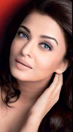 Aishwarya - www.facebook.com/ILoveHotAndCuteCelebrities
