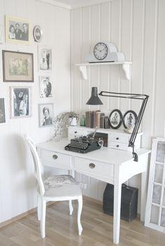 r o o m library study room, study office, writers desk, bedroom Home Office, Study Office, Library Study Room, Study Rooms, Writers Desk, Bedroom Nook, Mini Office, Home Decoracion, My Dream Home