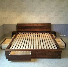 king size bed frame diy storage You can now make your very own bed which contains drawers at each side. You can easily put your sheets, blankets and other bedroom accessories in this pallet wood bed. It is a king size bed as well. Pallet Beds, Pallet Furniture, Bedroom Furniture, Home Furniture, Bedroom Decor, Furniture Ideas, Furniture Storage, Furniture Vintage, Bedroom Sets