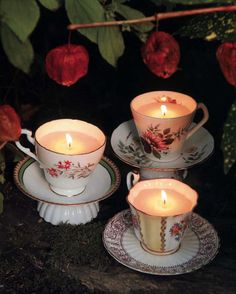 """""""Tee-Lichter"""" a la Alice im Wunderland Source by The post """"Tee-Lichter"""" a la Alice im Wunderland app Teacup Candles, Alice In Wonderland Tea Party, Tea Party Birthday, Mad Hatter Tea, Party Props, Tea Lights, Tea Cups, Creations, Advent"""