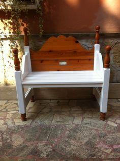 Damián Marrero . ReciclArte canarias. Banco para el jardín reciclado de una cama.