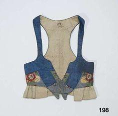 Liv i sidenbrokad med kantning av sidenband; Skåne, 1800-40. Nordiska Museet, nr. NM.0000198