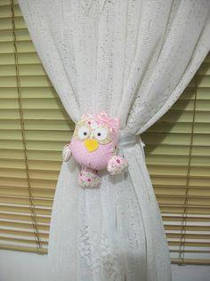 Abraçaderia para cortina com fita de cetim branca,rosa ou na cor desejada. R$12,00
