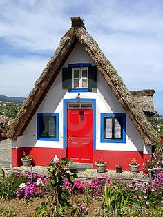 Colorful Cottage near São Vicente, Portugal Cute Little Houses, Little Cottages, Cute House, Cabins And Cottages, House Furniture Design, Small Tiny House, Thatched Roof, Portugal, Unusual Homes