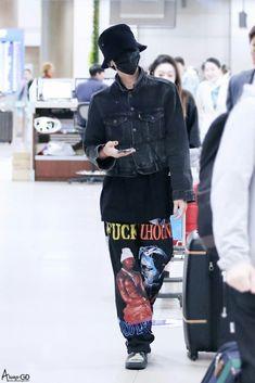 — fckyeahgdragon: 170527 G-Dragon - Incheon. Daesung, G Dragon Fashion, Bigbang G Dragon, Rapper, Korean Fashion Trends, Jiyong, Korean Outfits, Korean Clothes, Airport Style