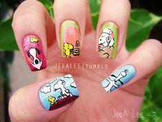 snoopy_peanuts_nails_nail_art_designs