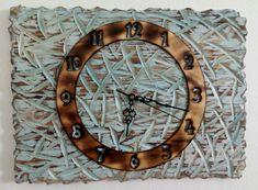 dřevěné+hodiny+Dřevěné+hodiny+jsou+vyrobeny+z+masivního+dřeva.+Při+jejich+výrobě+byla+použita+technika+opalování+a+kartáčování.+Design+hodin,+použitý+materiál+a+způsob+výroby+s+důrazem+na+strukturu+a+zajímavé+detaily+dřeva+tak+zajistí+jejich+jedinečnost+a+originalitu.+Hodiny+obsahují+hodinový+strojek+Quartz+s+velmi+tichým+chodem+a+otvorem+pro+zavěsení.+Hodiny... Clock, Wall, Design, Home Decor, Watch, Decoration Home, Room Decor, Clocks