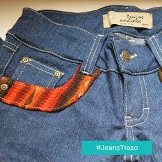Jeans con aplicaciones de manto andinos