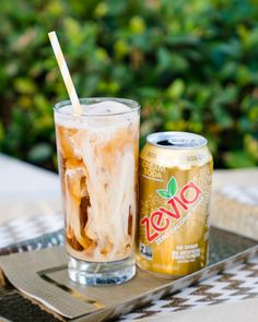 Wake up with this refreshing iced coffee naturally sweetened with stevia sweetened Cream Soda for a change of pace! Who says delicious coffee can't be healthy? Coffee Cream, Iced Coffee, Coffee Art, Drinks Alcohol Recipes, Yummy Drinks, Alcoholic Drinks, Beverages, Diet Drinks, Soda Recipe