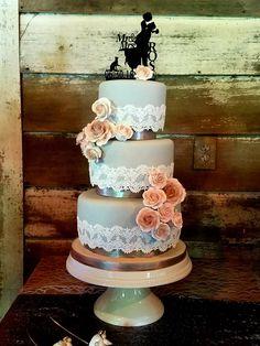 Lace Wedding Cake. Gray Wedding Cake. Grey Wedding Cake. Rustic Wedding Cake. Boho Wedding. Vintage Wedding. Wedding Cake with separators. Wedding Planning. Wedding Trends. Wedding Cake Trends.