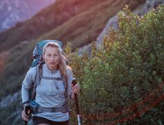 Recepty - Dezerty: Borůvkový koláč sdrobenkou Hiking Staff, Walking Poles, Nordic Walking, Outdoor Gym, Ice Climbing, Beach Walk, Walk On, Shopping Malls, Mountaineering