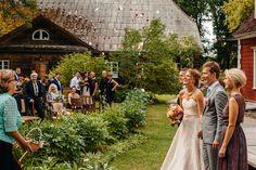 Outdoor Backyard Wedding http://holdme.lv/en