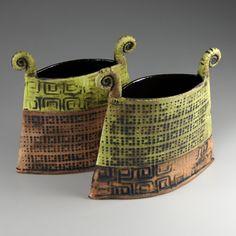 Hand Built Pottery, Slab Pottery, Ceramic Pottery, Pottery Art, Pottery Ideas, Pottery Studio, Slab Ceramics, Porcelain Ceramics, Ceramics Ideas
