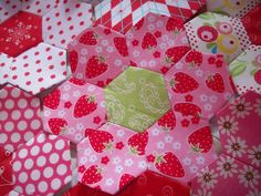 AUNTIE'S QUAINT QUILTS: Hexies