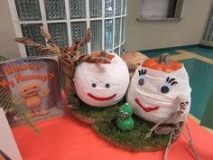 Each year our entire school participates in the fun fall tradition of creating a storybook pumpkin. Each class makes one pumpkin and they a. Pumpkin Books, Pumpkin Crafts, Diy Pumpkin, Pumpkin Ideas, Children's Book Characters, Storybook Characters, Pumpkin Decorating Contest, Pumpkin Contest, Book Projects