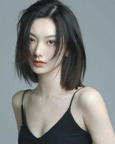 Japanese Short Hair, Korean Short Hair, Ulzzang Short Hair, Korean Beauty Girls, Asian Beauty, Girl Short Hair, Short Hair Cuts, Shot Hair Styles, Curly Hair Styles