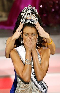 Miss Puerto Rico Zuleyka Rivera Mendoza reacts after being named Miss Universe 2006