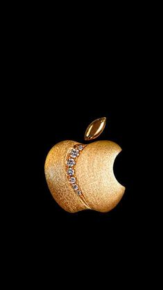 Apple Jewellers Gold Apple iPhone 5s hd wallpapers available for free download. Apple Logo Wallpaper Iphone, Iphone Homescreen Wallpaper, Cellphone Wallpaper, Apple Background, Gold Aesthetic, Black Aesthetic Wallpaper, Gold Wallpaper, Pretty Wallpapers, Laura Lee