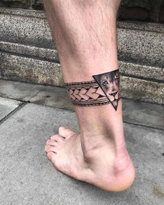 Maori tattoos in forearm – You are in the right place about tattoo for men on leg roses Here we offer you the most beautiful pictures about the tattoo for men on leg wolf you are looking for. When you examine the Maori tattoos in forearm – … Maori Tattoos, Ankle Band Tattoo, Band Tattoos For Men, Forearm Band Tattoos, Anklet Tattoos, Leg Tattoo Men, Leg Tattoos, Body Art Tattoos, Tribal Tattoos