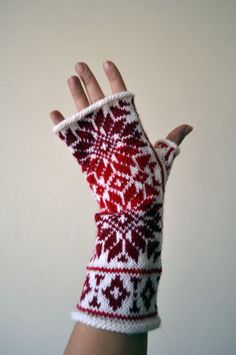 Nordic Fingerless Gloves  Wool White Red Fingerless by lyralyra